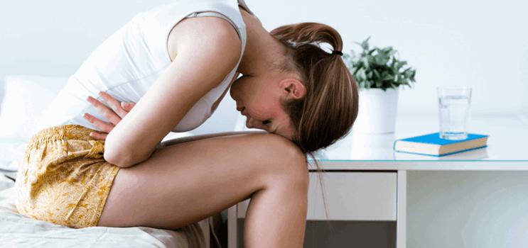 Brunt menstruationsblod Annika Aakjær